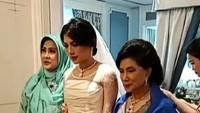 <p>Adinda Bakrie sebelumnya sempat menikah dengan pengusaha asal Singapura, Seng Hoo Ong, pada 2008 lalu. Keduanya dikaruniai dua orang anak. (Foto: Instagram)</p>
