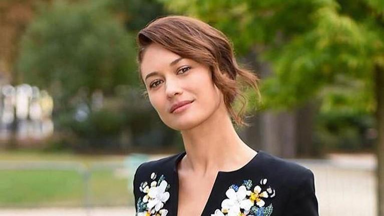 Padahal, Olga di tahun 2020 ini baru saja menyelesaikan dua film yang belum tahu kapan tayang yaitu Empires of the Deep dan The Bay of Silence.