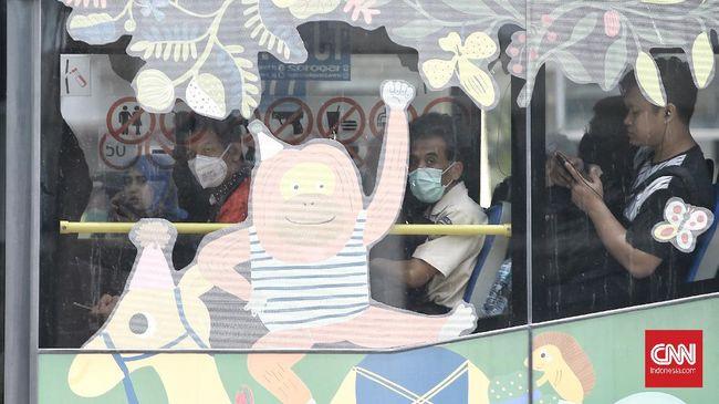 Pria positif corona di Bogor memiliki cukup banyak riwayat perjalanan beberapa hari sebelum dinyatakan positif, termasuk menumpang ojek online, KRL, dan MRT.
