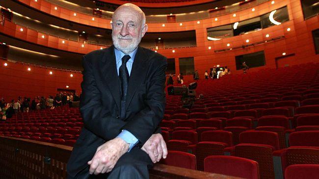 Arsitek Italia Vittorio Gregotti meninggal setelah dinyatakan positif virus corona. Dia merupakansalah satu perancang stadion untuk Olimpiade Barcelona 1992.