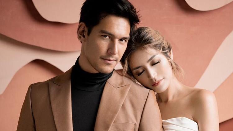 Dampak dari virus Corona ternyata dirasakan oleh pasangan selebriti Jessica Iskandar & Richard Kyle. Mereka harus menunda resepsi pernikahan.