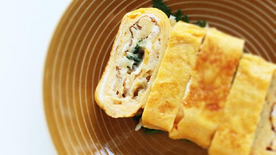 Resep Egg Chicken Roll Rumahan, Tak Kalah Lezat dari Restoran Jepang