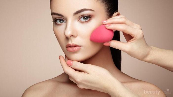 Mau Tampil Mempesona dengan Wajah Bebas Minyak? Ikuti Tips Make Up Natural Ini Yuk!