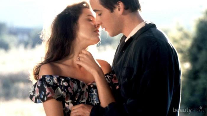 Cara Berciuman Ternyata Bisa Dilihat dari Zodiak, Lho!