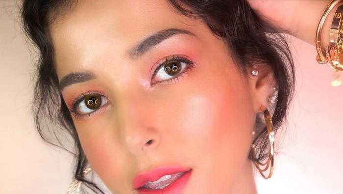 5 Rahasia Cara Make Up Glowing Skin yang Hits di Kalangan Makeup Enthusiast