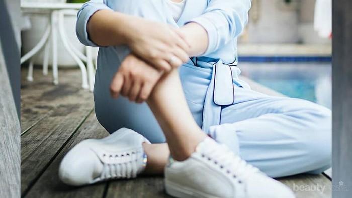 5 Outfit Ini Tunjukkan Celana Jeans adalah Andalan Nagita Slavina Sehari-hari