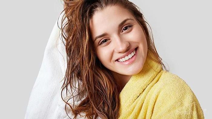 Harus Coba! 5 Produk Perawatan Rambut Favorit L'Oreal Professionnel yang Wajib Kamu Punya
