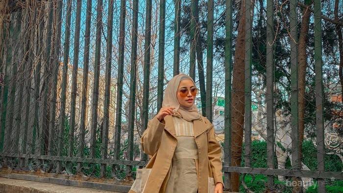 Gaya Hijab untuk Traveling yang Bisa Kalian Contoh, Pas Banget untuk Pemula!