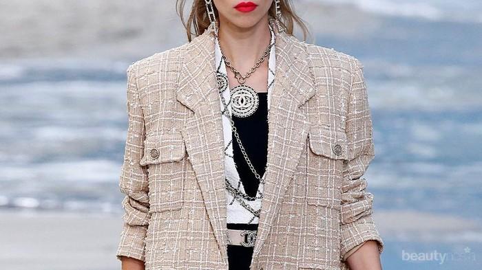 Jaket Tweed, Item Fashion Paling Stylish di Musim Hujan