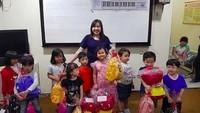 <p>Jan Ethes merayakan ulang tahunnya secara sederhana bersama teman-temannya di sekolahnya, Focus Independent School.</p>