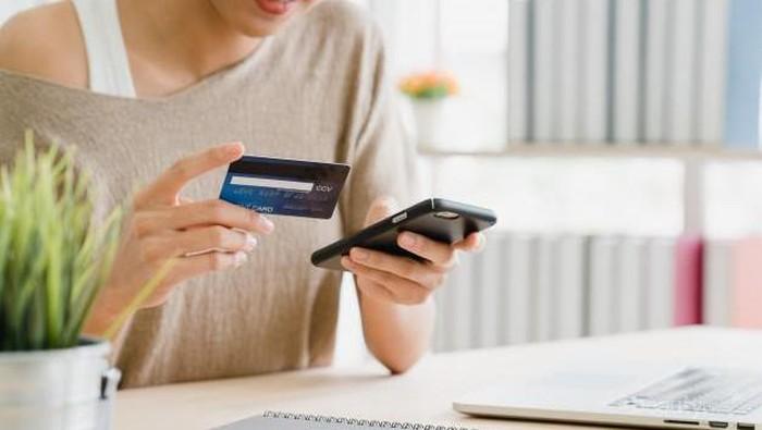 Hati-hati Terlilit Hutang! Hindari Pemakaian Kartu Kredit untuk 5 Hal Ini