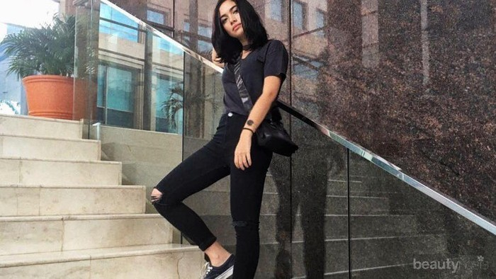 [FORUM] Pakai celana hitam bikin kaki terlihat lebih kecil?
