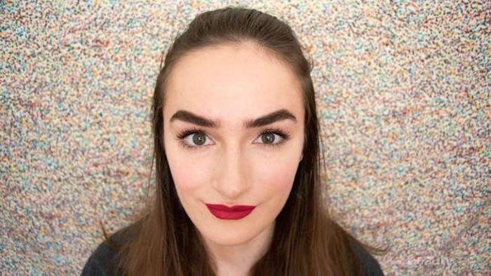 [FORUM] Keluar rumah harus pakai lipstik/alis?
