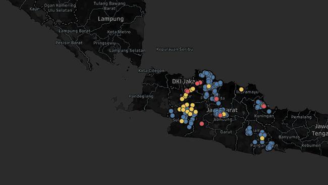 Gubernur Jawa Barat Ridwan Kamil mengungkapkan ada sedikitnya tujuh daerah di wilayahnya yang masuk zona merah atau area penyebaran Covid-19.