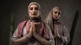 Itang Yunasz Hadirkan Hijab Berteknologi Duplex