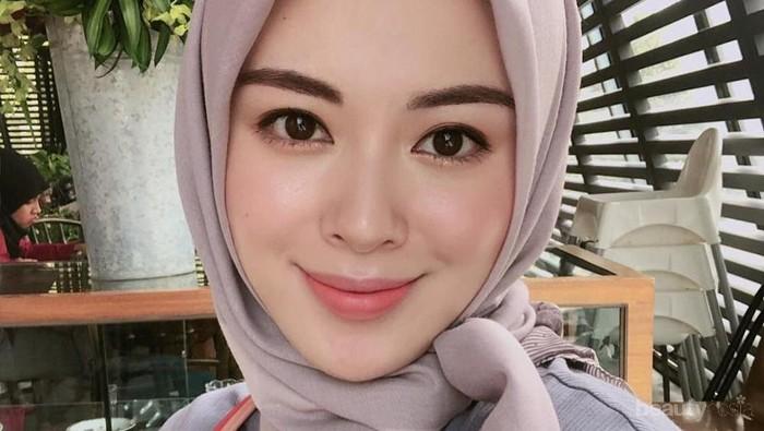 Style Hijab Korea Si Cantik Ayana Moon Jihye, Segiempat - Pashmina