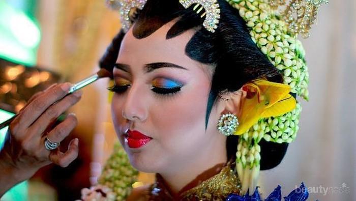 Dari Jawa Sampai India Ini Lho Tutorial Make Up Pengantin Yang Bisa Jadi Inspirasi