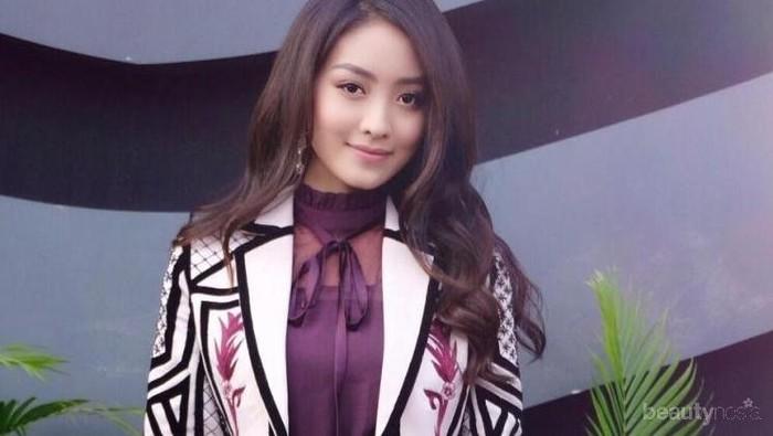 Ingin Tampil Simple namun Tetap Kekinian? Ikuti 7 Gaya Fashion Terbaik dari Natasha Wilona Ini, Ladies!