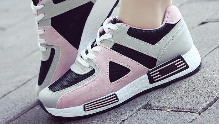 Ladies Ini Merek Sepatu Sneakers Wanita Terbaik Untuk