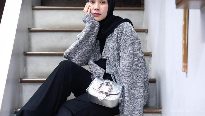 Buat Kamu yang Gak Mau Ribet, Ini Inspirasi OOTD Oversize Style Simpel ala Zaskia Adya Mecca