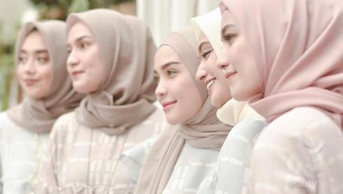 Ingin Berbelanja Baju Muslim Kekinian yang Oke?  5 Toko Online Ini Wajib Kamu Kunjungi!