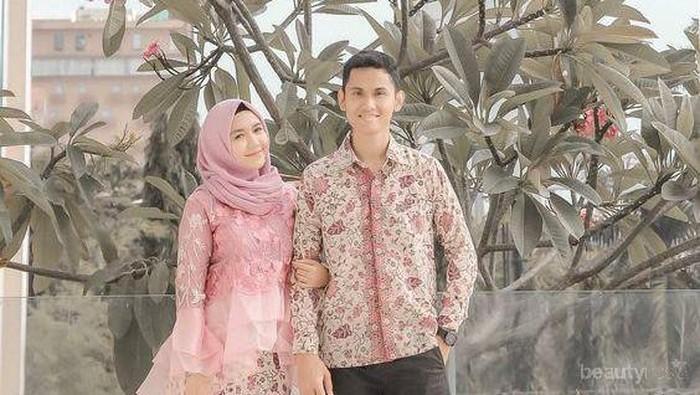 Wah, Ide Outfit Batik Couple Ini Oke Banget buat Tampil Sama Pasangan! Wajib Dicoba!