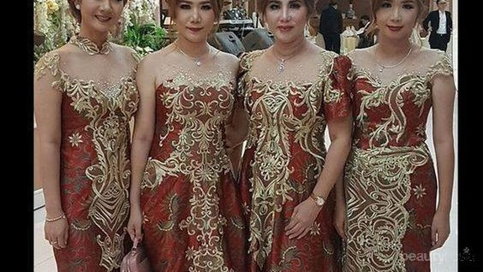 Cari Outfit untuk Datang ke Pesta Pernikahan? Pakai Aja Model Baju Brokat Kombinasi Cantik Ini!