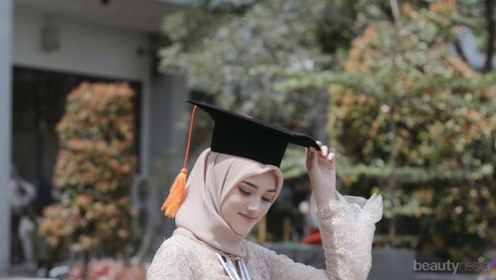 Bukan Hanya Kebaya, Outfit Hijab Wisuda Modern Ini Juga Elegan Dipakai Saat Hari Kelulusan