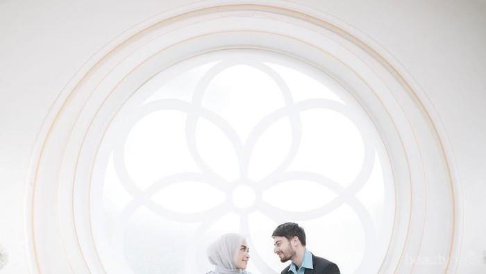 Anggun dan Kekinian, Model Hijab Pengantin Ini Bisa Kamu Jadikan Inspirasi Pernikahan!