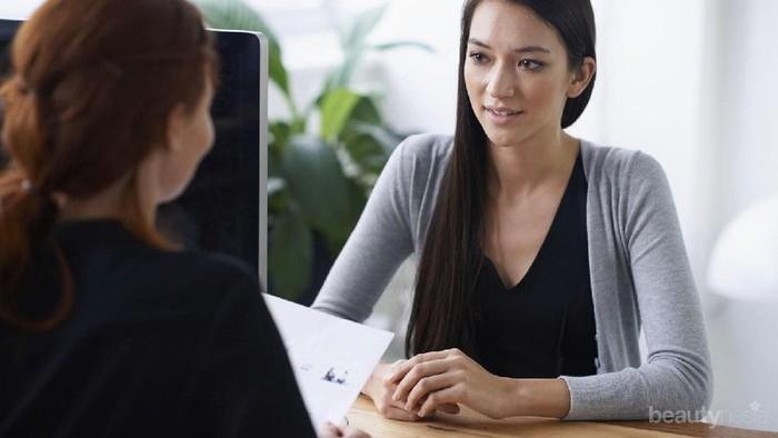 Mau Wawancara Kamu Berjalan Sukses? Yuk, Ikuti Tips Interview Bahasa Inggris Ini, Ladies!