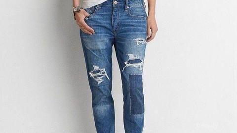 Mengubah Celana Jeans Bolong Jadi Keren Begini Tipsnya