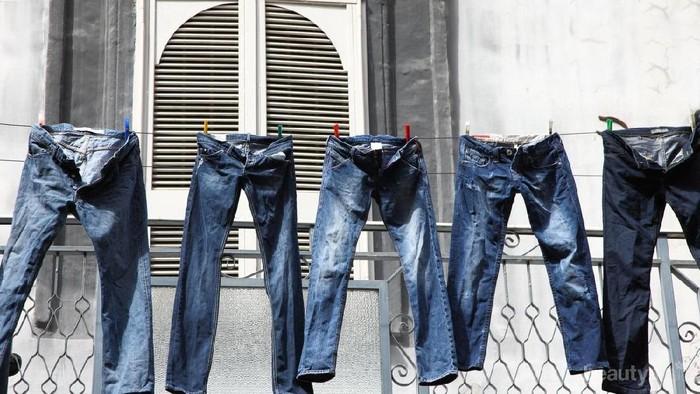 Tak Disangka, Ternyata Garam Bisa Bikin Celana Jeans Jadi Lebih Awet!