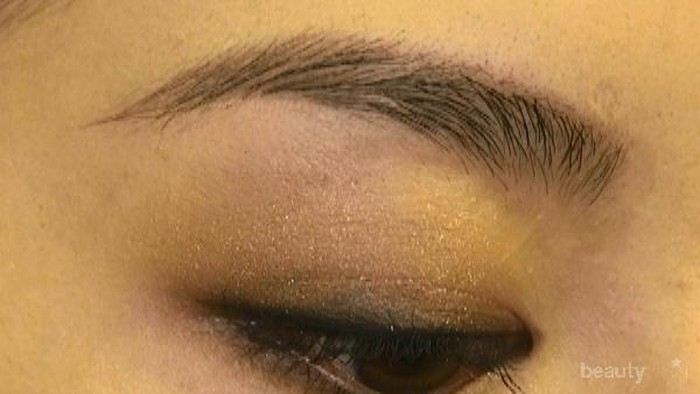 Siapapun bisa terlihat cantik?! Ultimate Smokey Eye