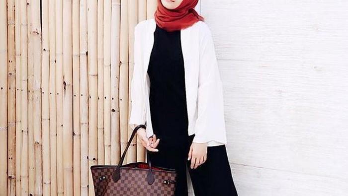 4 Model Baju Kerja Wanita Kekinian Ala Artis Indonesia yang Bisa Kamu Tiru
