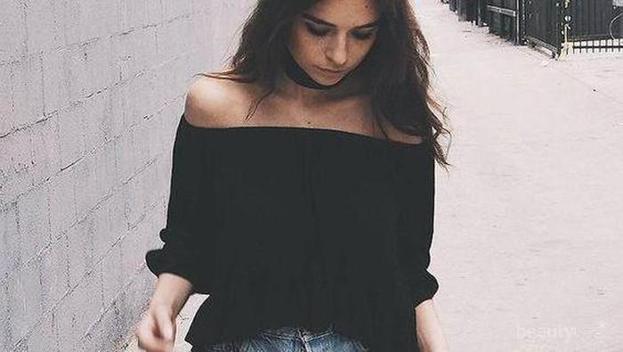 Ingin Tampil Seperti Fashion Blogger? Padukan Baju Sabrinamu dengan Berbagai Item ini