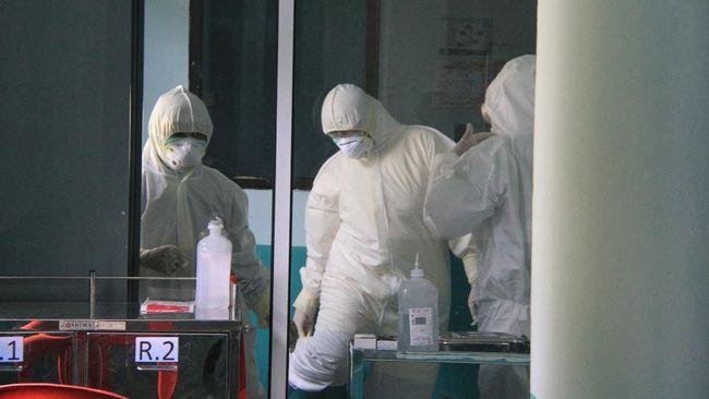 Hari ini RSUP H. Adam Malik Medan memulangkan enam pasien yang dinyatakan sembuh dari virus corona (Covid-19). Total sudah ada delapan pasien yang sehat.