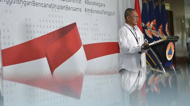 Juru Bicara Pemerintah untuk Penanganan COVID-19 Achmad Yurianto memberikan keterangan pers di Graha BNPB, Jakarta, Kamis (19/3/2020). Berdasarkan data pemerintah hingga Kamis (19/3), jumlah kasus positif COVID-19 mencapai 309 kasus di 16 provinsi se-Indonesia, sementara jumlah pasien sembuh mencapai 15 orang dan kasus meninggal dunia mencapai 25 orang. ANTARA FOTO/Aditya Pradana Putra/wsj.