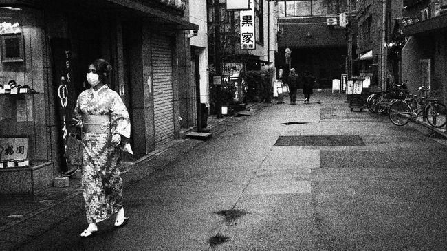 Pemerintah Hokkaido mencabut status darurat virus corona seiring dengan menurunnya jumlah kasus baru di sana.
