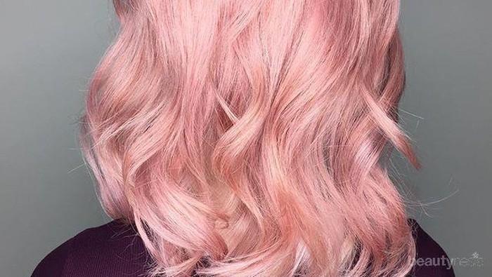 Hair Goals Alert! Inspirasi Tren Warna Rambut Rose Gold yang Keren untuk Rambut Indahmu