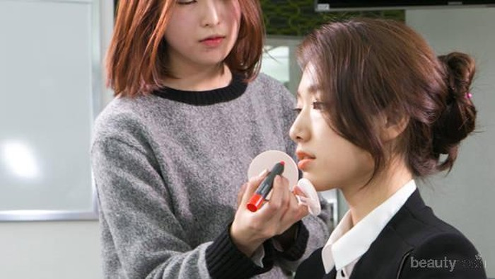 Ternyata, Ini Dia Makeup yang Digunakan Para Selebriti Pada Drama Korea!