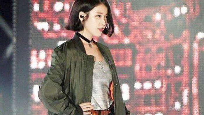 4 Inspirasi Gaya Modern dengan Jaket Bomber Ala Korean Style