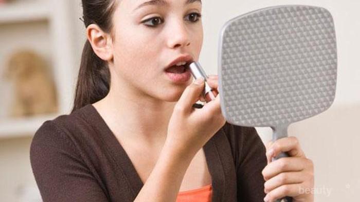 Telat Bangun Tapi Tetap Ingin Tampil Cantik Dengan Makeup? Coba 5 Makeup Hack dari MUA Ini!
