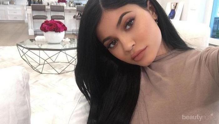 Ini Dia Warna Lipstik yang Cocok untuk Kamu Si Bibir Gelap Agar Terlihat Sexy!