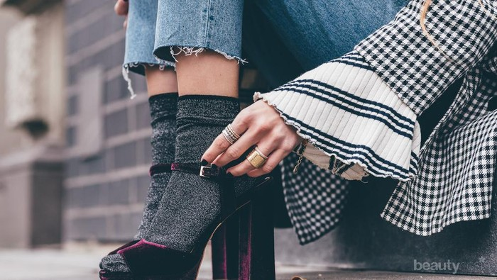 5 Tips Pintar Padupadan Kaos Kaki dengan High Heels Agar Tetap Fashionable