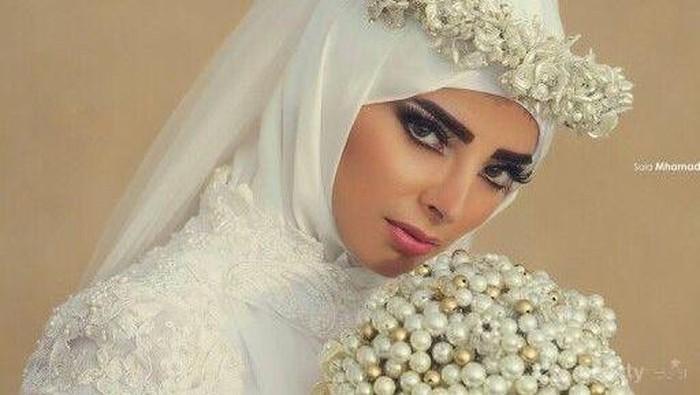 Ini Dia Aksesoris Hijab di Kepala untuk Tampil Anggun dan Cantik di Hari Pernikahan
