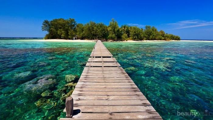 Mempesona, Tak Heran 5 Pantai Ini Jadi Favorit di Karimunjawa!