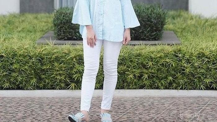 4 Tips Mix And Match Baju Muslim Dengan Legging Untuk Tampil Modis Saat Lebaran