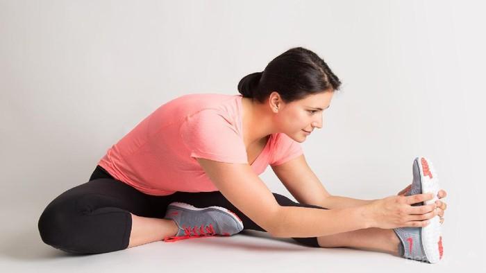 Miliki Badan Lentur dengan 5 Gerakan Stretching Mudah Ini!