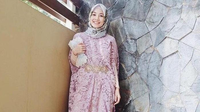 Style Artis Indonesia dalam Balutan Kaftan Saat Lebaran Ini Sangat Menginspirasi, Lho!