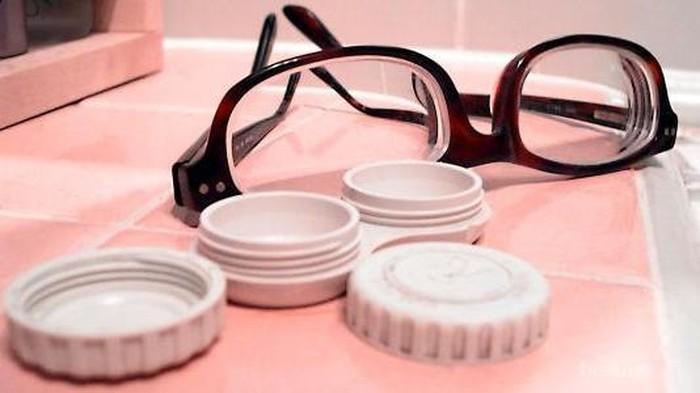 Pilih Softlens atau Kacamata? Ketahui Dulu Fakta Pentingnya Ini!